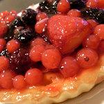 フロプレステージュ - 料理写真:赤いフルーツのタルト
