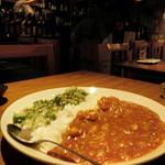 東京焼酎&梅酒bar GEN&MATERIAL - ランチのカレー(ハーフ&ハーフ)