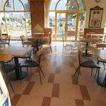 ミスタードーナツ - フードコートのテーブル席 【 2012年7月 】