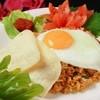 ワヤン バリ - 料理写真:★ナシゴレン¥840★バリ島といえばコレ!バリ風焼き飯。えびせん・串焼き付き。