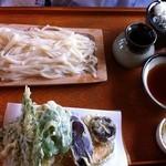 青田や - 野菜天盛りうどん 950円