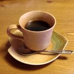茶房 あゆみ - 注文の度に豆を挽いて入れられる珈琲