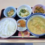 14002641 - 豚汁定食