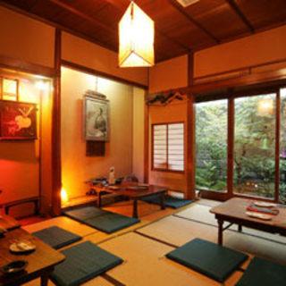 神楽坂一軒家家屋を改装した古き良きたたずまいの和食店