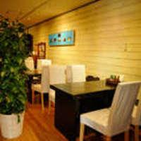 カフェベローゾ - 癒し系の音楽が流れる店内はオシャレに統一されてます。