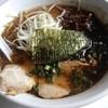 麺家 とん平 - 料理写真:黒とんこつらーめん(熊本風)マー油入り(焦がしにんにく)、700円