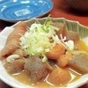 品田屋酒場 - 料理写真:自家製煮込み 350円