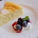 Cafe OKINA - チーズスフレケーキ