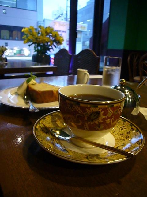 カフェ カミニート