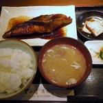 里の宿 - コチの煮魚定食