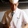 銀座おかもと - 料理写真:鱧骨切りの様子
