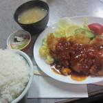 フジ - ポークカツと海老フライの盛り合わせ定食650円