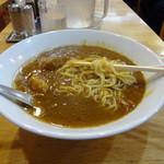 大沢食堂 - カレーラーメン 麺はこんな感じ