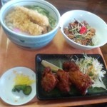 やまいし - 料理写真:天ぷらうどん・豚の蒲焼丼・鶏の唐揚げ