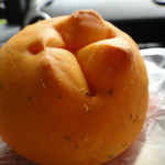 ケイ・ワイズ - 料理写真:トマトクリームチーズパン! これが大好きです☆