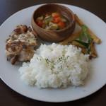 ムサシマルカフェ - ランチ(鶏のマスタード焼)