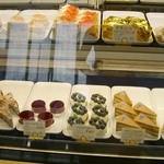 フランス菓子 オペラ座 - ショーケース