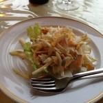 コーナーハウス - ワインのお通し。卵サラダ。
