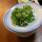 あさひ - 蕎麦つゆと薬味 薬味は刻み葱と山葵