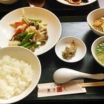 中国料理 東方美人 - 海鮮とアスパラの炒めもの1200円
