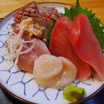 とらさんキッチン - 焼き魚定食にオプションの、お刺身