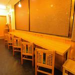 元祖武蔵野うどん めんこや - カウンター席もご用意しているのでお1人様でも気兼ねなくご来店できます!