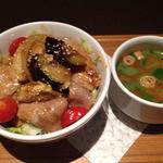 ナナズグリーンティー - 豚の生姜焼丼(¥900)