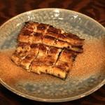 稲毛屋 - 関東風鰻蒲焼き中(2,400円)