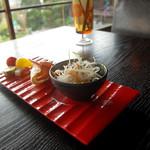 タイショウ - ランチ満腹コースの前菜 春雨サラダ、エビマヨ、ピクルス