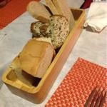 クチネッタ ユギーノ - 自家製パン