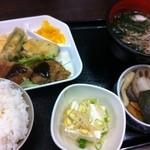 らっきー - ボリューム満点日替わり定食550円
