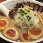 麺工房 茜屋 - 料理写真:DXあかねやラーメン/しょうゆ(890円)