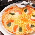 ワイのすけ - ピザ各種 ¥630