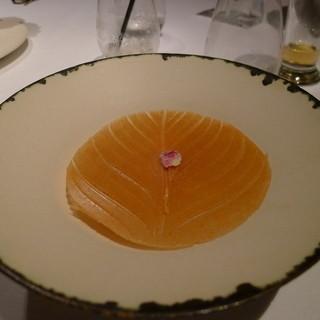 ユカワタン - 料理写真:赤紫蘇のジュレ 青梅のソルベと共に