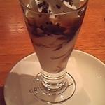 キャッツカフェ - セットでチョコクランチのミニパフェがつきました。