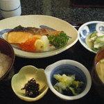 漁楽洞 - 銀鮭の甘塩焼き定食