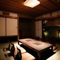お庭の見える個室6部屋完備