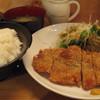 憩 - 料理写真:豚カツ定食600円