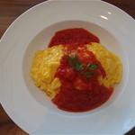ケニーズハウスカフェ - Aランチ:オムライス完熟トマトソース(ドリンク付)¥980