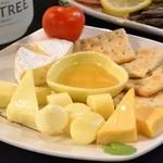 アメリカンハウス - チーズ盛り合わせ