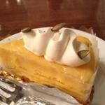 馬車道十番館 - かぼちゃのクリームチーズケーキは美味!