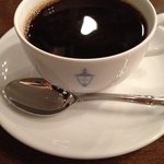 馬車道十番館 - ここではコーヒーとケーキを味わいたい