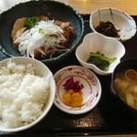 タイムズ スパ・レスタ - 地鶏の唐揚げネギソース膳950円