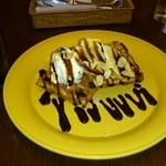山猫軒 - チョコバナナワッフル  コーヒー付 1200円やったかな!?