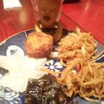 ハタケマメヒコ飯店 - おばんざいは食べ放題