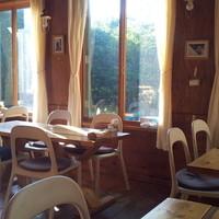 たるきぃとな - 朝のレストラン内(店舗兼住宅で、営業時間外ですので、プライベートでノンビリしています)