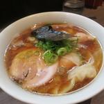 支那そばや本店 - 山水地鶏 ワンタン麺