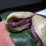 元町 香炉庵 - 【再訪2】生麩饅頭断面。中はこしあん