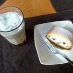 ケーズデリ - コーヒーとロールケーキ