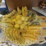 讃岐麺房 すずめ - セルフの天ぷら